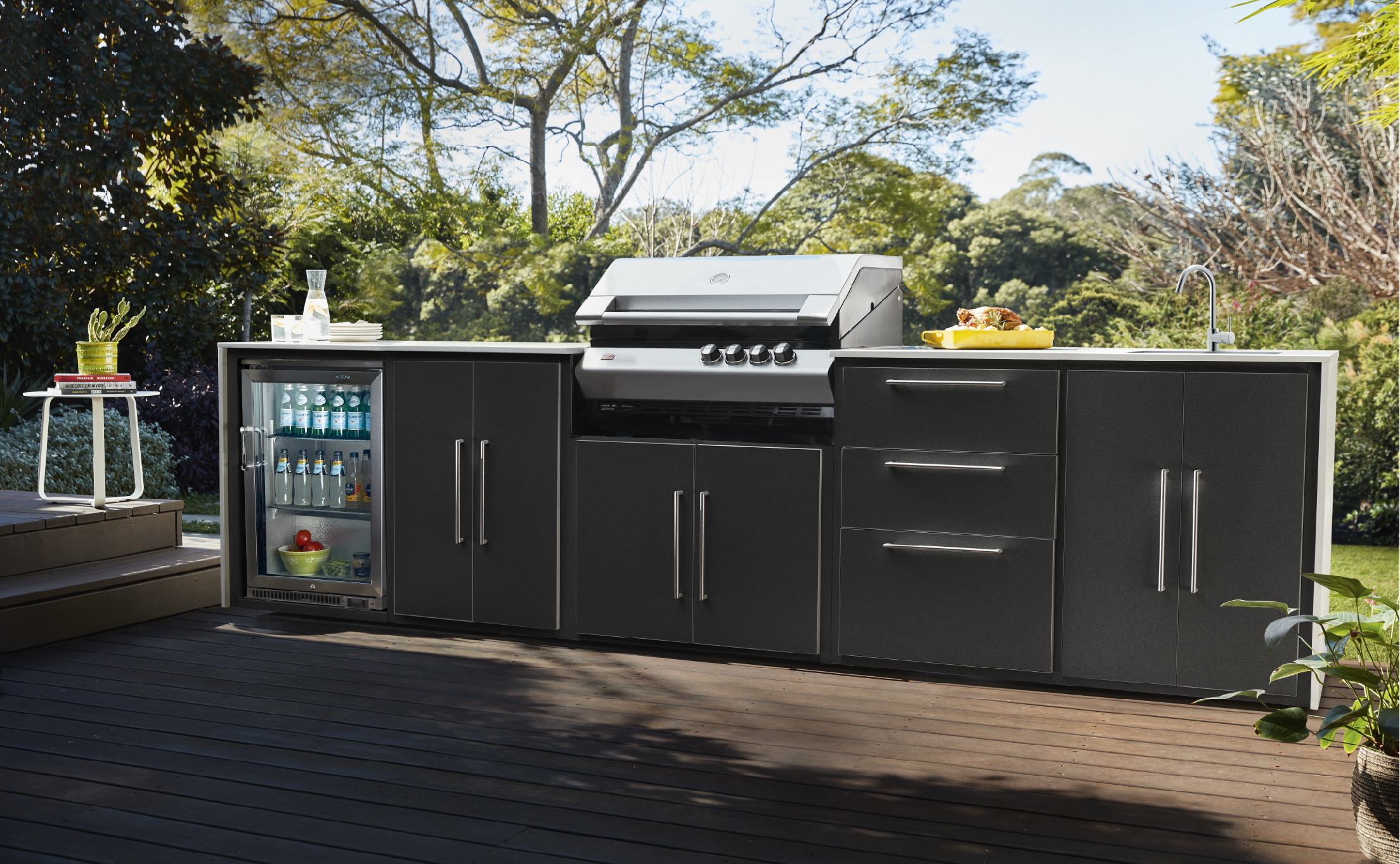 outdoor kitchen cinquetta black
